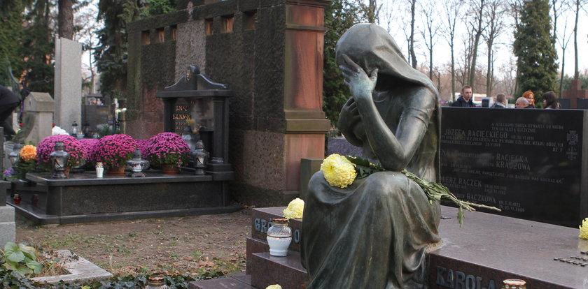 Ratujmy zabytki Starego Cmentarza. Nie ma kwesty, jak pomóc?
