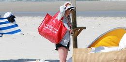Dygant przyłapana na plaży. Tak prezentuje się w bikini