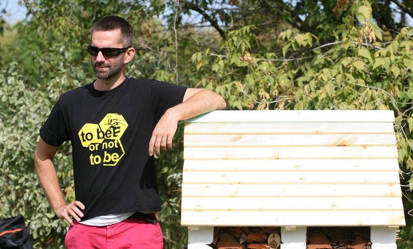 Marcin Bosak otworzył hotel dla pszczół