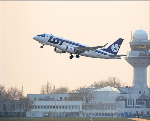 Latanie nad Polską będzie tańsze, ale zdrożeją starty i lądowania Fot. Marcin Lobaczewski