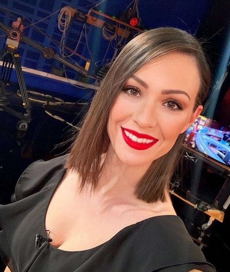 Dora Panteli