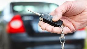 Warszawiacy mają najnowsze samochody, a kto jeździ najgorszymi autami?