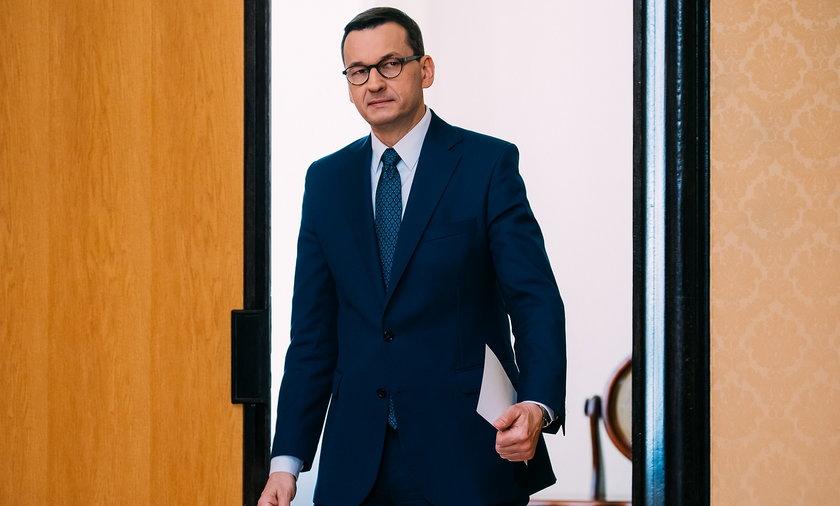"""Premier Mateusz Morawiecki zapowiada program """"Nowego Ładu""""."""