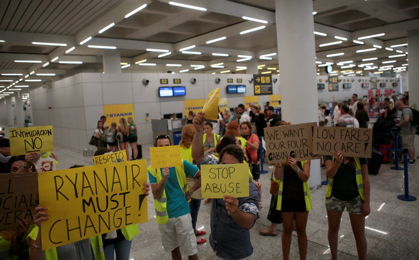 Popularne linie lotnicze chcą przenieść się do Polski