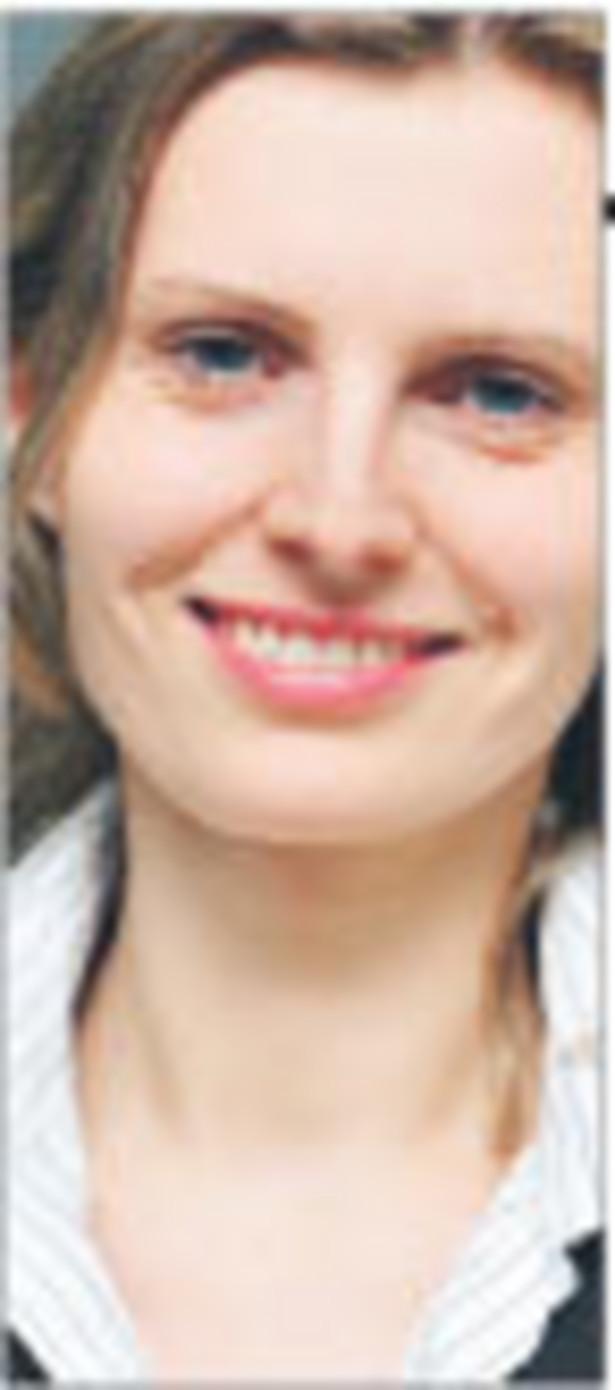 Anna Pałka-Ćwikiewicz, ekspert AXA Życie