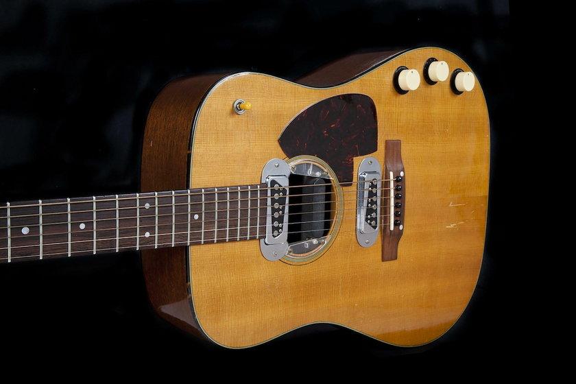 Gitara Kurta Cobaina