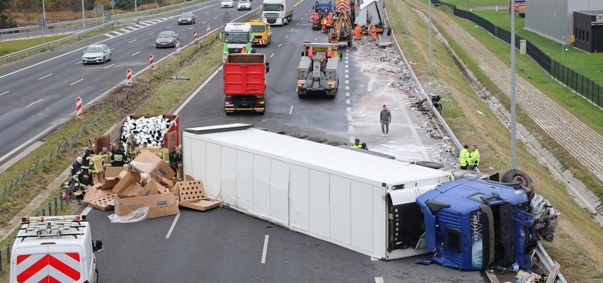Horror na S8. Zdjęcia obrazują nie tylko grozę uczestników wypadku