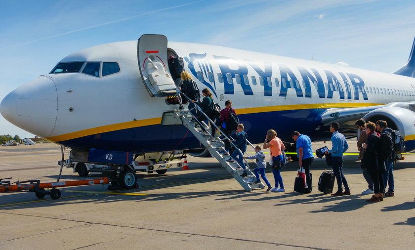 """Właściciel Ryanaira powiedział, że Brytyjczycy ignorują kwarantannę i """"wiedzą, że to bzdury"""". W tym kraju do tej pory z powodu koronawirusa zmarło 40 tysięcy osób"""