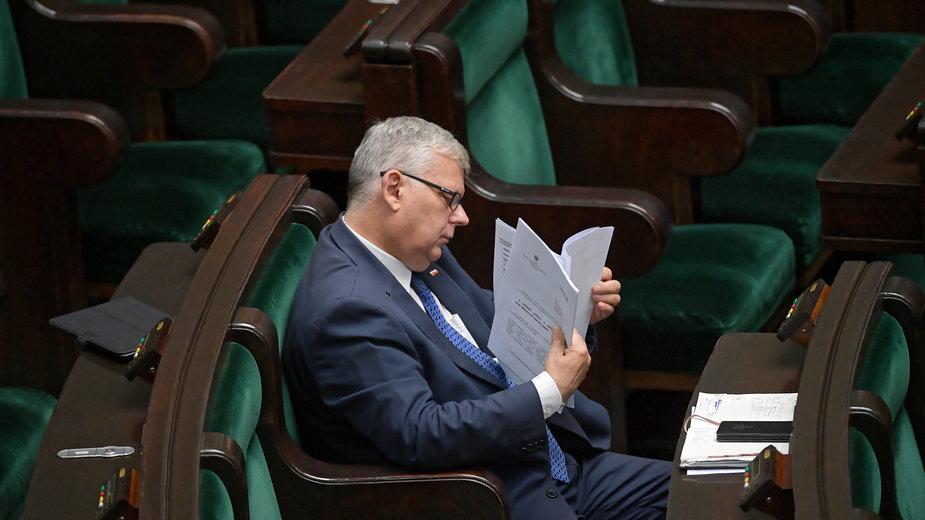 Marek Suski w trakcie dzisiejszego posiedzenia Sejmu.