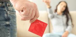 Potajemne ściąganie prezerwatywy podczas seksu będzie karalne? Ofiary będą mogły pozywać mężczyzn