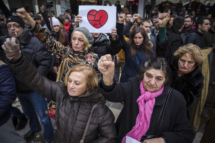 protest za davida plato