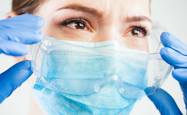 Profesor wskazał również, że decyzję o regionalnym charakterze kontroli epidemii uważa za słuszną.