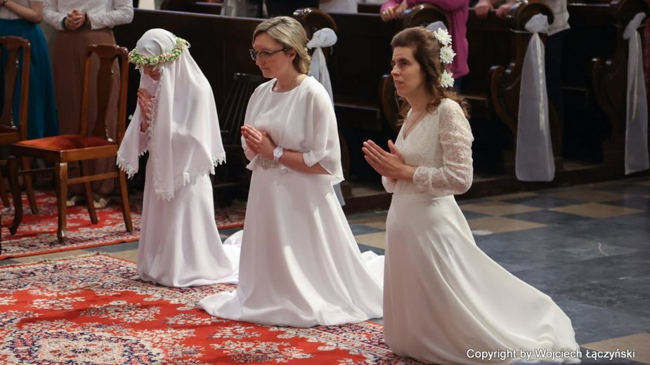 Czy chcesz być zaślubiona naszemu Panu, Jezusowi Chrystusowi?