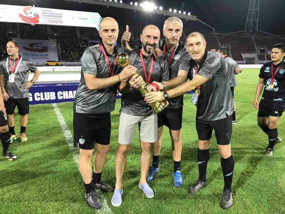 Trofej Mekong kupa: Bandović, Popović, Mijanović i Grujić (sleva)