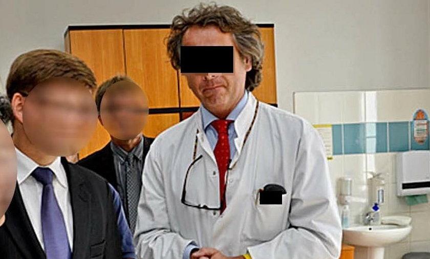 Doktor łapówkarz zostanie profesorem!