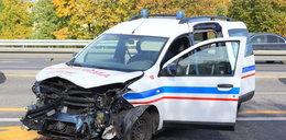 Ambulans wbił sięw barierki