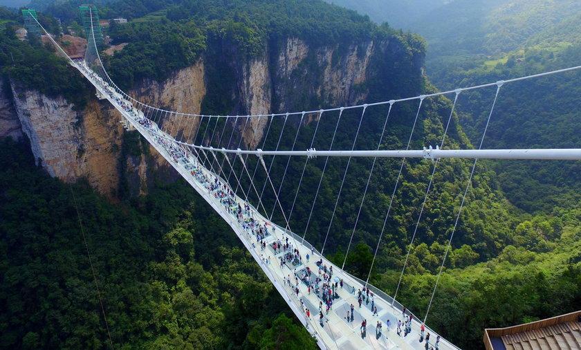 To prawdziwy most grozy