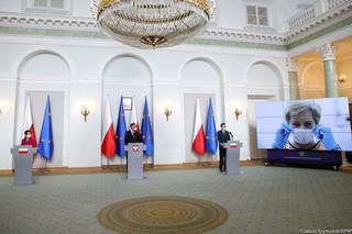 175 mln maseczek z rządowego kontraktu i szwalnia w Stalowej Woli. Wszyscy zaangażowani w projekt milczą