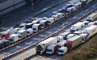 Pierwsi polscy kierowcy są już we Francji. Rząd planuje 'dodatkowe rozwiązania nadzwyczajne'