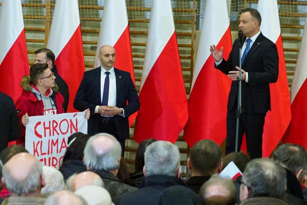 W środę podczas spotkania z mieszkańcami Lubartowa (woj. lubelskie) prezydent Andrzej Duda ogłosił, że będzie kandydował w wyborach prezydenckich
