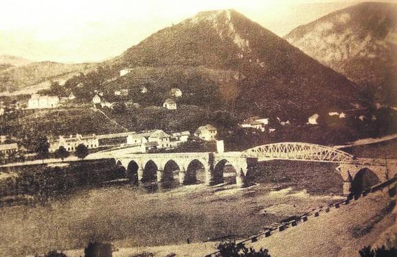 Višegradski most posle oštećenja u Drugom svetskom ratu