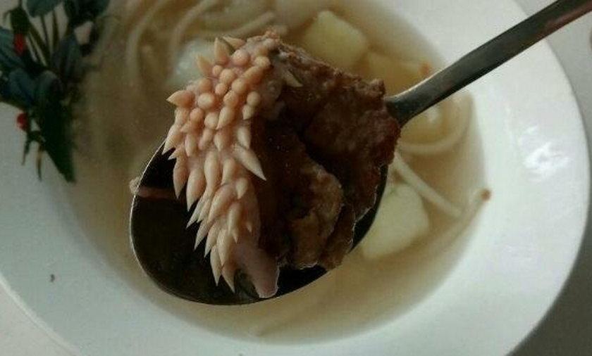 Obrzydlistwo w jedzeniu na rosyjskiej stołówce