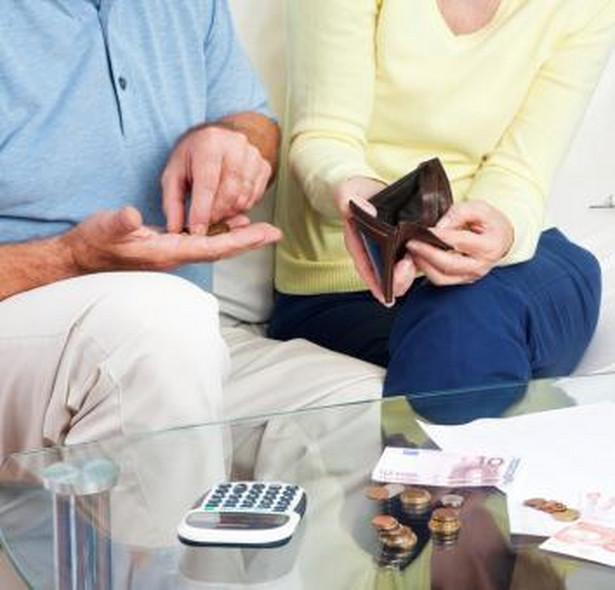 Eksperci i zarządzający OFE mówią, że rynek funduszy emerytalnych wpadł w dryf
