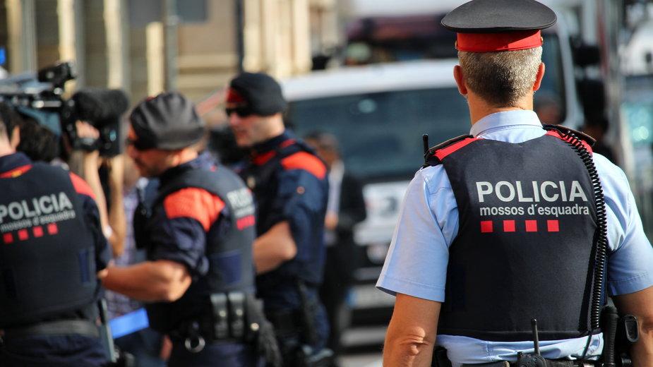 """Hiszpania: dzieci łańcuchami przykuły ojca do ściany. """"Miał problemy psychiczne"""""""