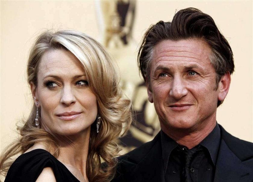 Hollywoodzki gwiazdor wreszcie się rozwiódł