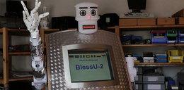 Roboto-kapłan udzieli Ci błogosławieństwa