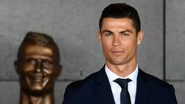 Rzeźbiarz broni pomnika Cristiano Ronaldo