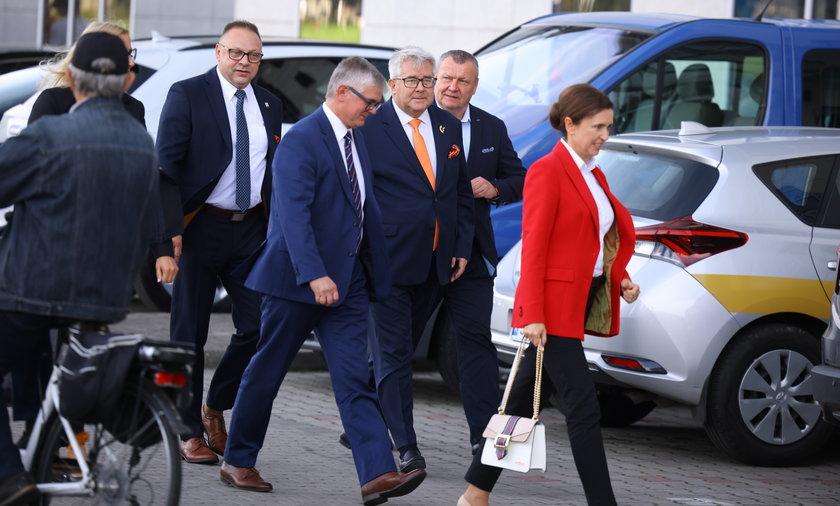Tak Czarnecki zabiega o głosy. Ważny polityk PiS chce zostać szefem polskiej siatkówki.