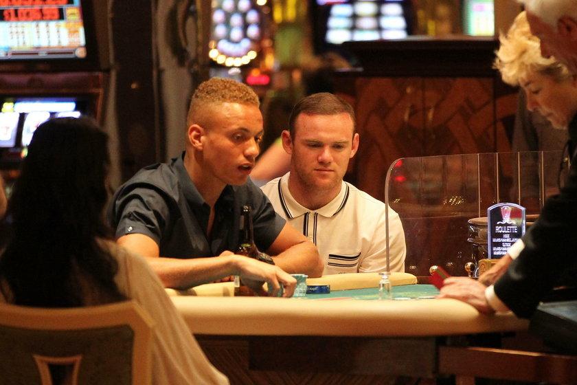 Wayne Rooney przegrał w kasynie pół miliona funtów. Był w transie