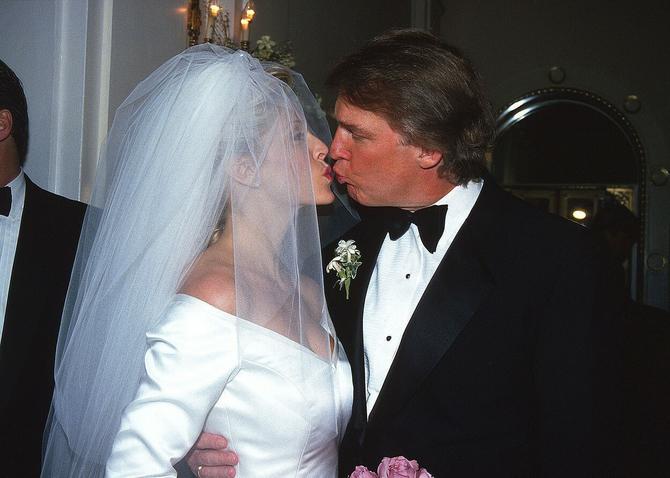 Marla Mejpls i Donald Tramp na venčanju 1993. u Njujorku