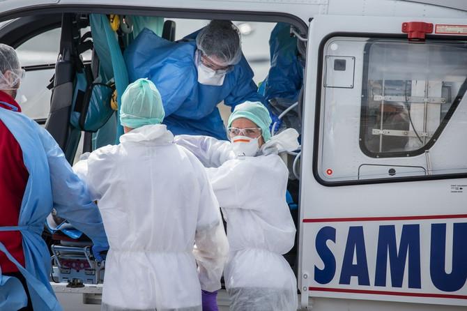 Lekari u Francuskoj u borbi sa KOVID-19