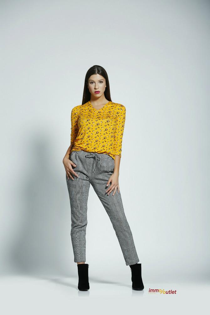 """Majica i pantalone """"Tom tailor"""", 3.299 i 7.299 din, čizmice """"Springfild"""", 1.299 din"""
