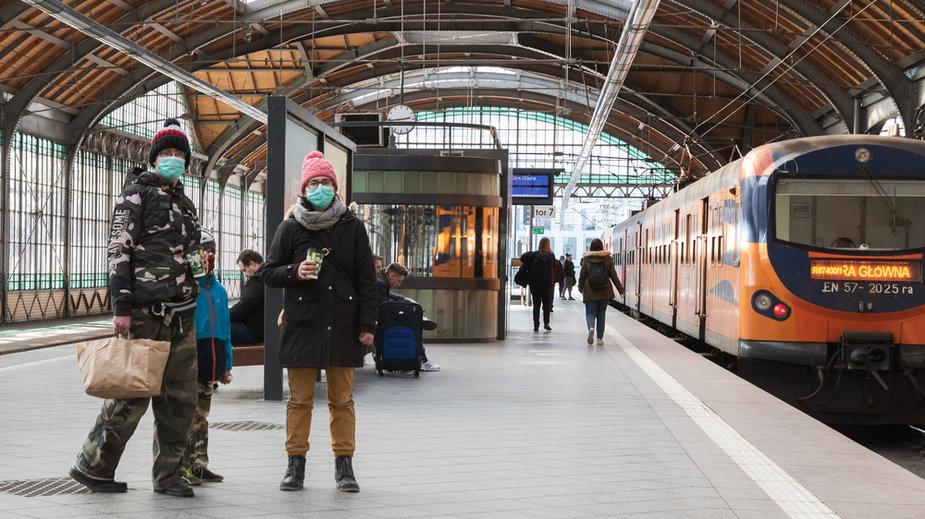 PKP apeluje do pasażerów. Chodzi o podróże w okolicach 1 listopada