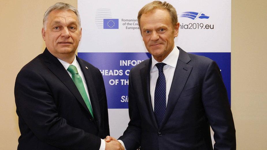 Viktor Orban i Donald Tusk,  fotografia z 2019 roku