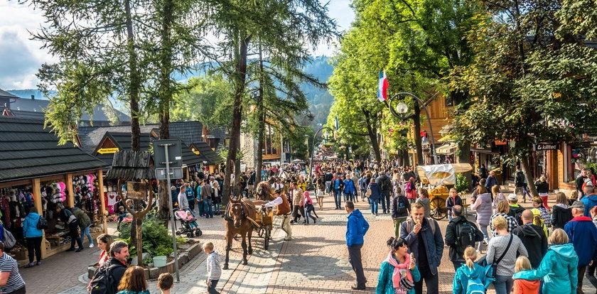 Fakt sprawdził ceny w popularnych miejscowościach turystycznych. Drożyzna zwala z nóg