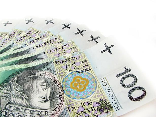 Rząd chce, by płaca minimalna została podniesiona w przyszłym roku do poziomu 1204 złotych z obecnych 1124 złotych.