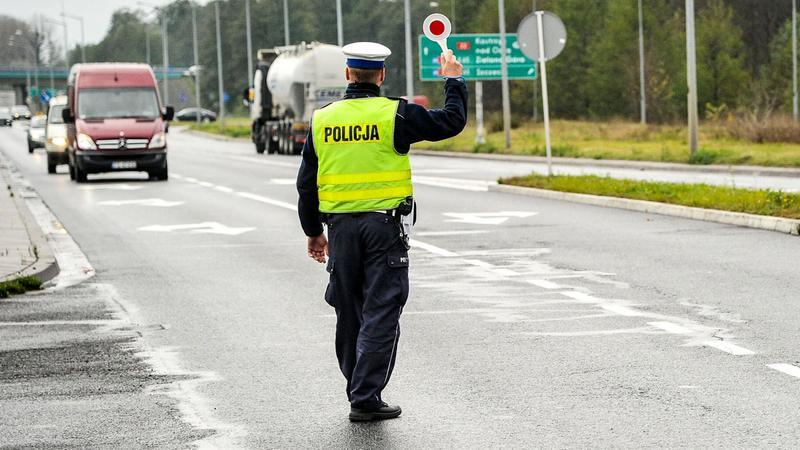 W woj. lubuskim bezpieczeństwa na drogach pilnuje 200 policjantów