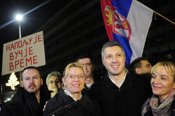 Na protestu su u prvim redovima bili lideri opozicije