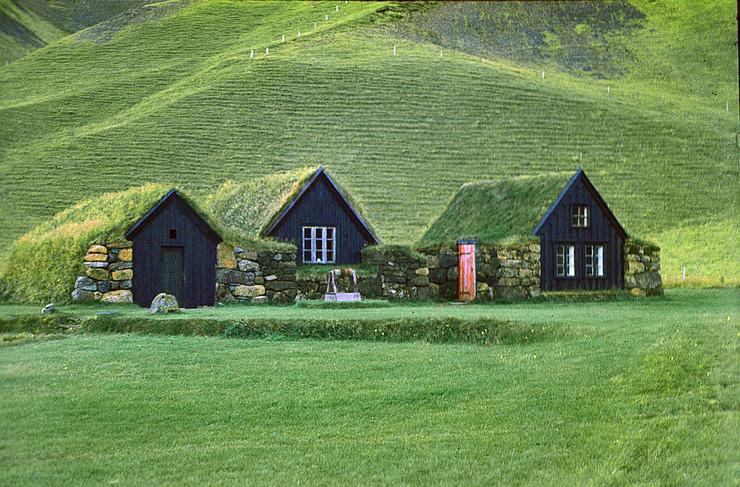 Tradicionalne islandske kućice prekrivene busenjem