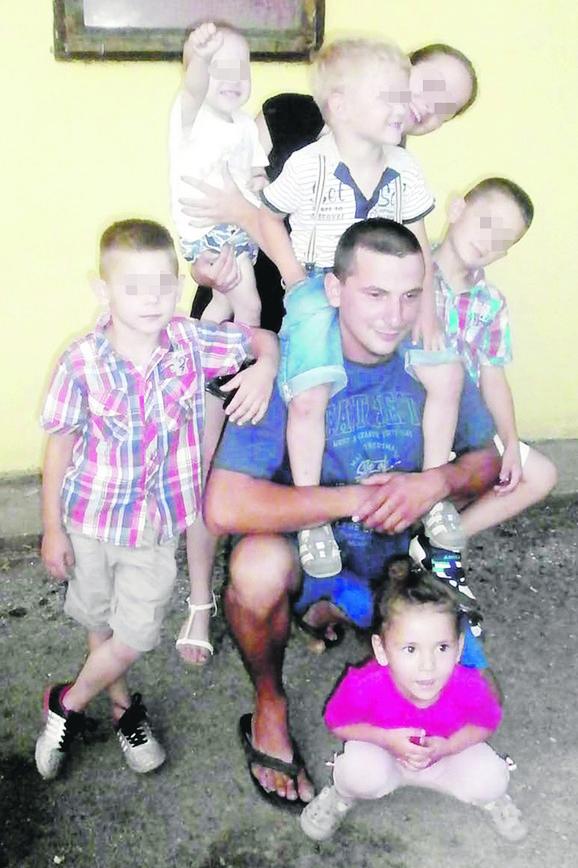 Dva sata pre zločina: Vladica Rajković sa Anđelinom i drugom decom na rođendanu