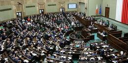 PiS za obniżką uposażenia parlamentarzystów