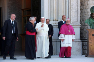 'Derby Watykanu'. Papież Franciszek i Benedykt XVI będą oglądali finał mundialu?