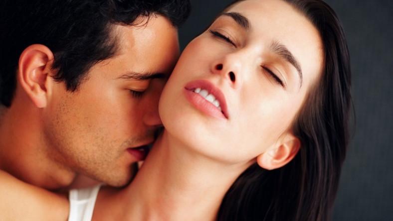 Kobiety twierdzą, że pocałunki tej części ciała przyprawiają je o dreszcze