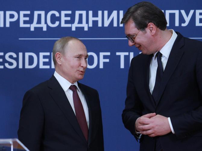 MODNI UGAO susreta Putina i Vučića: Odela su se pažljivo birala, a iza njihovih kravata krije se ZANIMLJIVA PRIČA