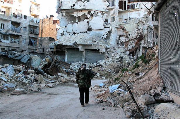 Dla cywili nie ma znaczenia, kto wyprodukował broń, która zniszczyła ich domy. Fot. Wikimedia Commons, lic. Open Government Licence v1.0