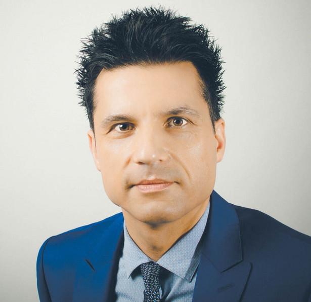 Andrzej Ceglarski, adwokat, wykładowca, ekspert prawny instytucji i organizacji pozarządowych, zajmuje się obsługą prawną spółdzielni